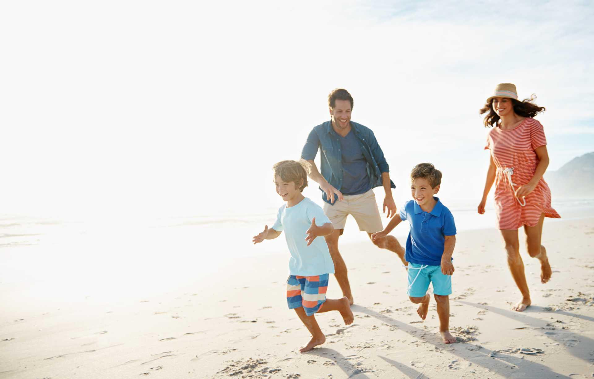 Helppoa koko perheen treeniä rannalla
