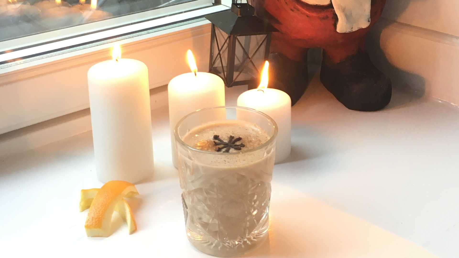 Julsmoothie med smak av apelsin och nejlika